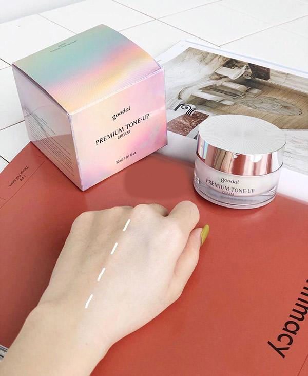 Kem Dưỡng Trắng Da Goodal Premium Tone-up Cream 30ml