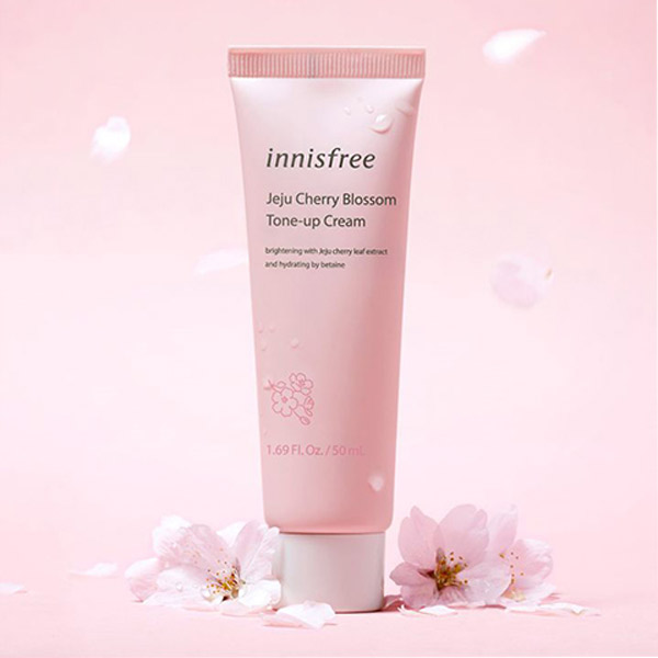 Kem Dưỡng Trắng Da Innisfree Jeju Cherry Blossom Tone Up Cream 50ml