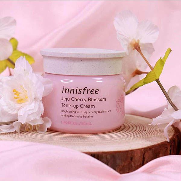 Kem Dưỡng Da Innisfree Jeju Cherry Blossom Tone Up Cream